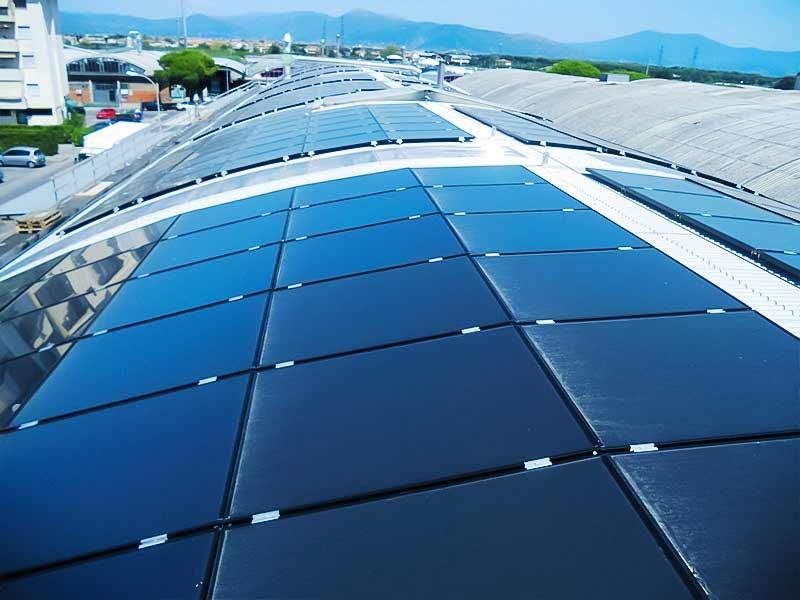 Impianto fotovoltaico su edificio industriale