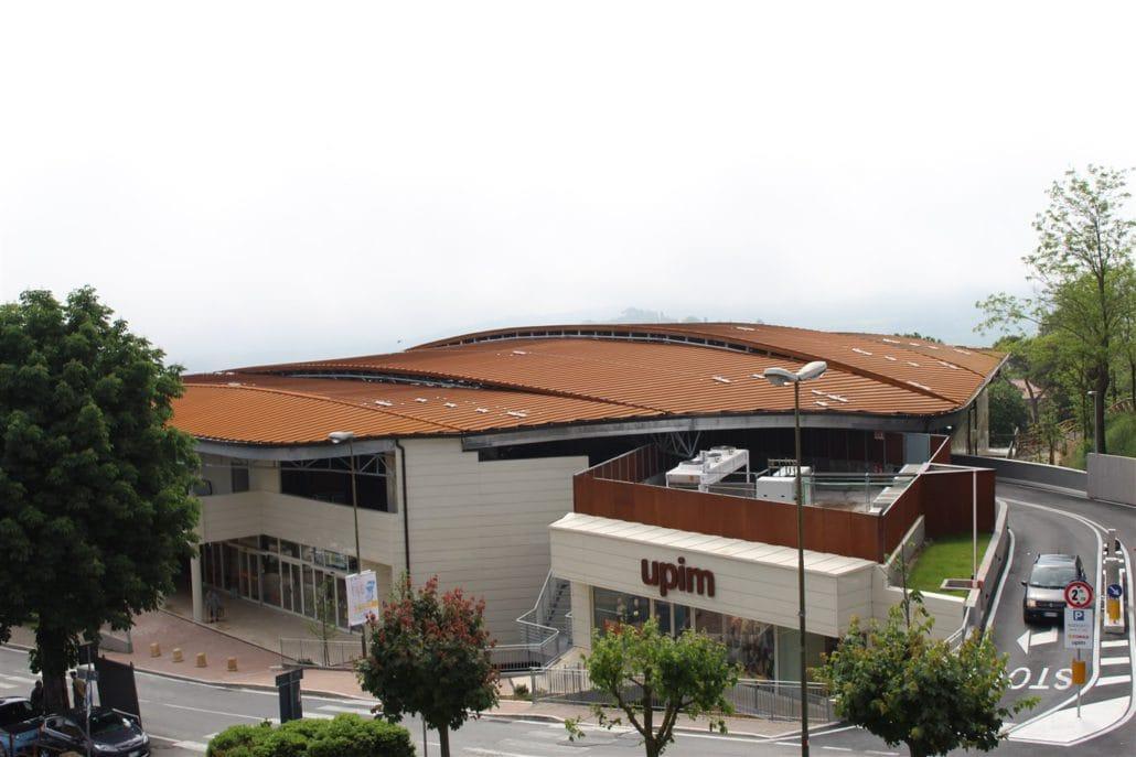 Copertura in acciaio fatta da Isomec a Montepulciano